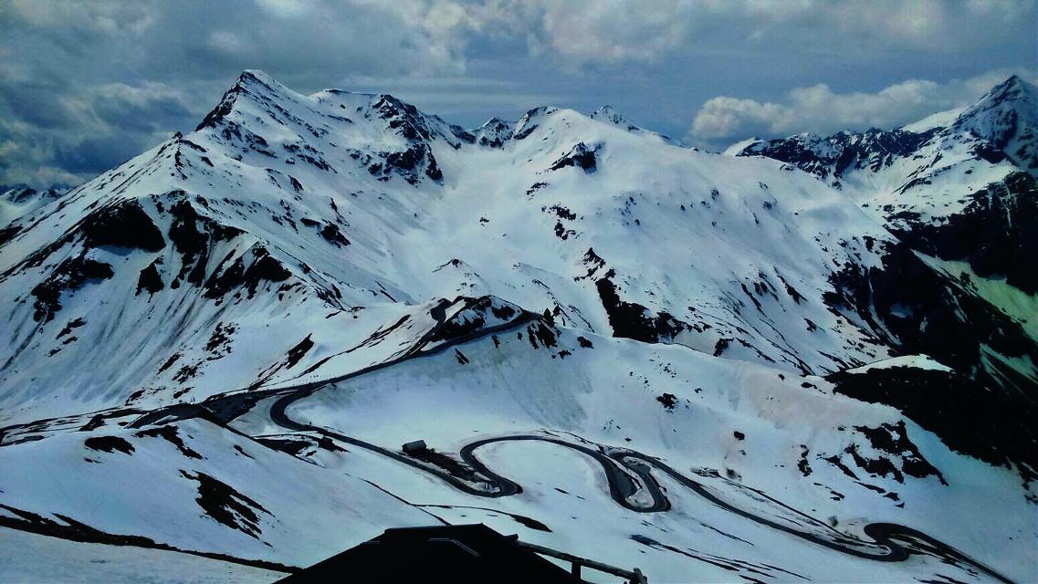 #travel  #mountain  #snow  #street  #tyrol  #austria  #biketour