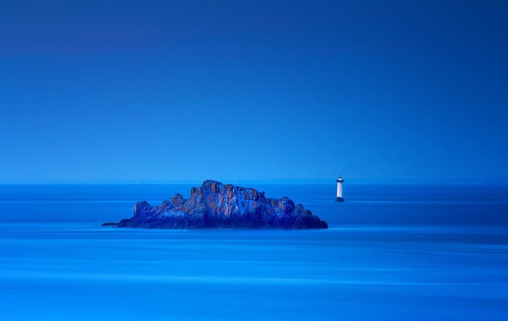 Blue, Cancale, Brittanny, France  #landscapephotography #landscape #landscape_lovers #nature #naturephotography  If you like my work, follow me www.facebook.com/Aperture.8.Lichtmomente/