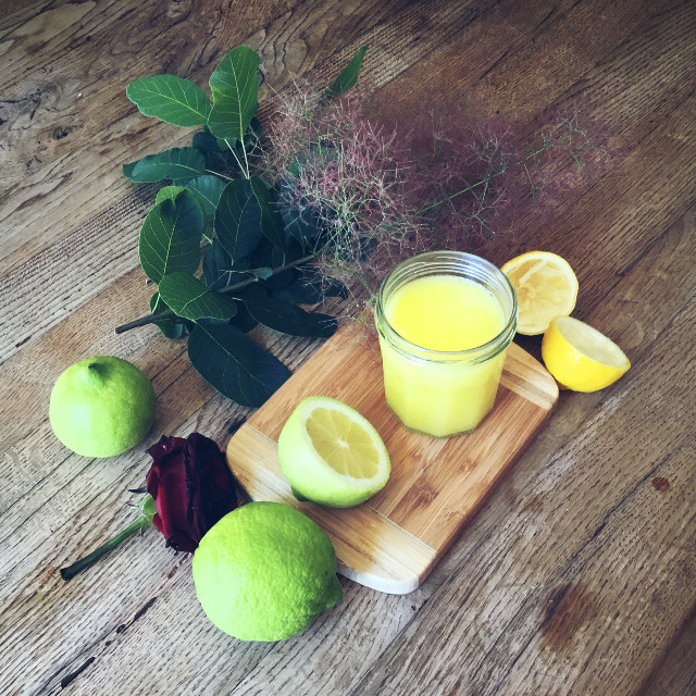 Mango slush for breakfast. Happy Sunday!! By Rocio Vigne